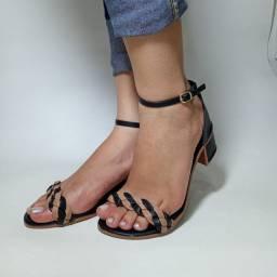 Sandálias por encomenda