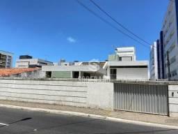 Casa com potencial para ponto comercial em avenida principal no Cabo Branco