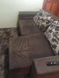 Vendo sofá de três lugares grande sou de canoas