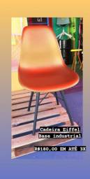 Cadeira Eiffel base industrial