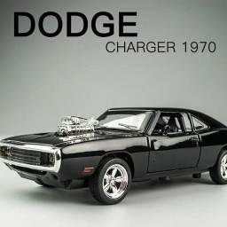 1;32 -Carro miniatura Dodger