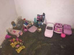 Vendo Brinquedos De Barbie (valor negociável)