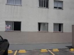 Apartamento térreo de 02 quartos no Capão Raso