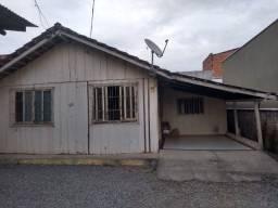 Casa de madeira village no Paranaguamirim