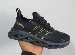 Tênis Adidas Maverick Novo