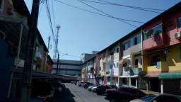 Apto com 2 qtos no Res Tambau, em frente ao Shopping Sumaúma Av. Max Teixeira