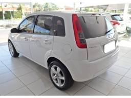 Ford Fiesta hatch 1.6 rocam branco flex