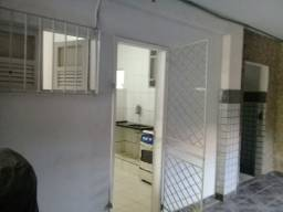 Kitnet mobiliada no centro de Vila Velha