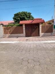 Casa no litoral à venda lado praia com 03 quartos - 7064 LC
