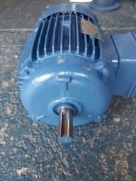Motor elétrico trifásico 7.5 cv rpm 1740.