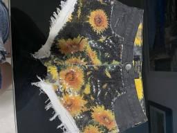 Vários shorts jeans  lança perfume número 36 e 38