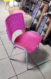 Cadeira plastica Rosa