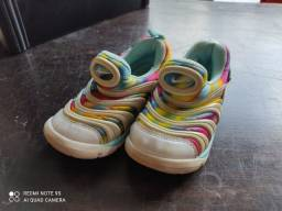 Tênis Nike dynamo n. 25 importado