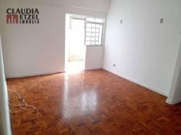 Apartamento 01 Dormitório 02 WC's 49m2 útil 02 Quintais de Fundos!! Próx ao Metrô Fradique