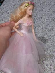 Boneca barbie em otimas condiçoes!