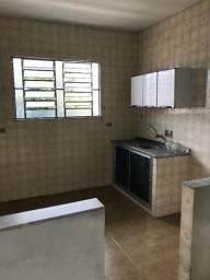 Casa - 2 quartos, sala, cozinha com copa, banheiro, terraço e área em São João de Meriti