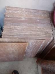 Vende ceramica maron lisa 35 metro
