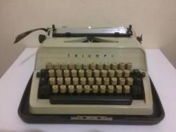 Máquina de escrever anos 60 + estojo + chave!!