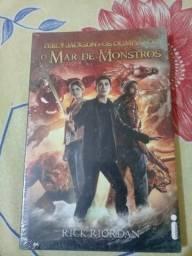 Livro Percy Jackson Mar de Monstros - 12 reais