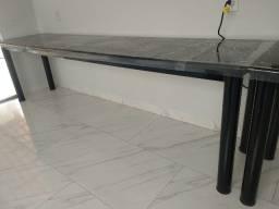 Ótima mesa grande