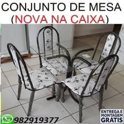 Otimo Preço Lindo Conjunto de Mesa 4 cadeiras Com(Tampo de Vidro) Apenas 499,00