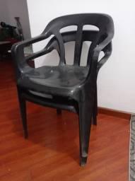 Cadeiras de plástico - preta