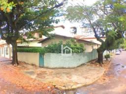 Casa de esquina para locação comercial na Praia da Costa