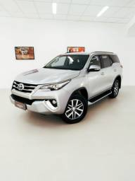 Toyota Hilux SW4 SRX 7 lugares