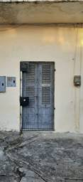 R$350,00 - 2 quartos, sala, cozinha, banheiro e quintal