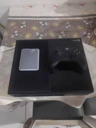 Xbox One, muito conservado( preço 1300)