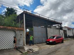 Galpão 300 m² /  Hileia , Com Doca
