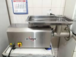 Vendo máquina completo Para Fábrica  de Linguiça !