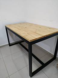 Mesa moderna