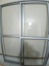 Porta de Correr em aluminio e vidro- Linhares ES
