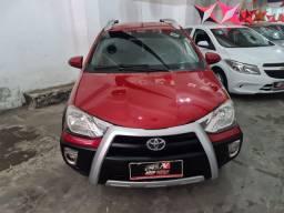Toyota Etios Cross 2015 1 mil de entrada Aércio Veículos yrf