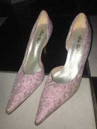 Vendo calçados por apenas 10,00 reais número 38