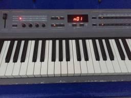 Piano digital Kurzweil Sp2 com case caixão