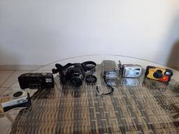 Vendo várias máquinas fotográficas antigas