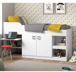 Título do anúncio: Cama infantil com escrivaninha e armarinho de 2 portas usado