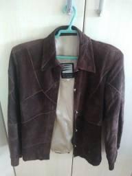 Vendo casaco de couro fem. semi-novo