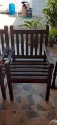4 Cadeiras Maciças com almofadas