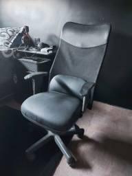 Cadeira gamer/escritirio/estudos,novinha confira as fotos!