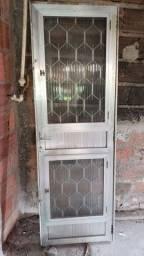 2 Porta de Alumínio com vidro - 70x2,10