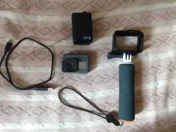 Título do anúncio: Go Pro Hero 5 Black com carregador duplo e 2 baterias