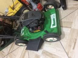 Maquina de cortar grama carrinho