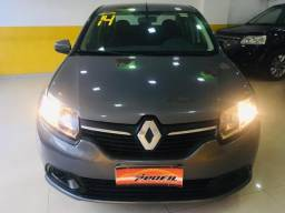 Renault Logan Expression 1.6 2014 - 2014