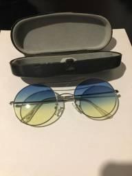 Óculos escuros azul degradê