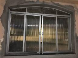 Janela e porta de alumínio e vidro canelado