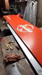 Placa com lona vermelha 3,5m