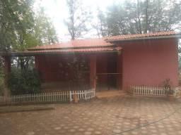 Fazenda 6 hectares com casa, a 1,5 km do Centro de Mateus Leme - Direto dono